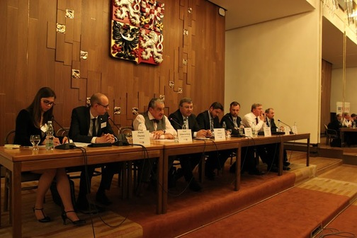 Tlumočení na konferenci Současná bezpečnostní situace v Pobaltí (Poslanecká sněmovna ČR, pořadatel: TOP tým)